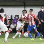 En un partidazo, Paraguay y Perú empatan 2-2