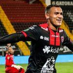 Alajuelense, con Alex López de titular, golea 3-0 al Jicaral y es líder invicto en Costa Rica