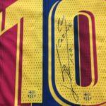 Messi regala camisetas azulgranas para agradecer las vacunas para la Conmebol