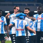 Nápoles golea 5-2 a la Lazio y se acerca a la zona de clasificación a la Champions
