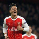 Arsenal convence a Özil para que renueve su contrato