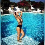 La esposa de Ezequiel Garay llegó al millón de seguidores y lo agradece con un desnudo