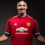 Zlatan se queda en el Manchester United y quiere cumplir una «promesa»