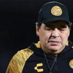 Diego Maradona operado con éxito de sus rodillas