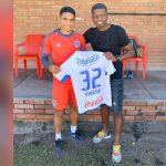 El gesto de Carlos Pineda con Boniek García