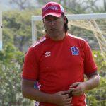 Reggi le responde a Juan Carlos Suazo: «Son oficinistas que nunca han pateado una pelota»