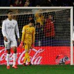 Real Madrid pierde ante Levante y el Barca recupera el liderato