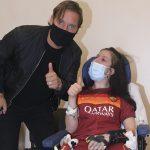 Francesco Totti visita en el hospital a mujer que salió del coma tras escuchar su voz