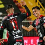 Alex López anota en goleada del Alajuelense al Cartaginés de Roger Rojas