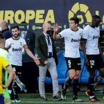 Escándalo en el triunfo del Cádiz 2-1 a Valencia por un insulto racista
