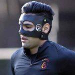 Radamel Falcao volvió a entrenar tras fractura facial, pero ahora usa particular máscara