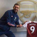 Arsenal da la bienvenida al niño prodigio Leo Messo