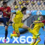 España domina pero no pasa del empate ante Suecia en su debut en la Eurocopa
